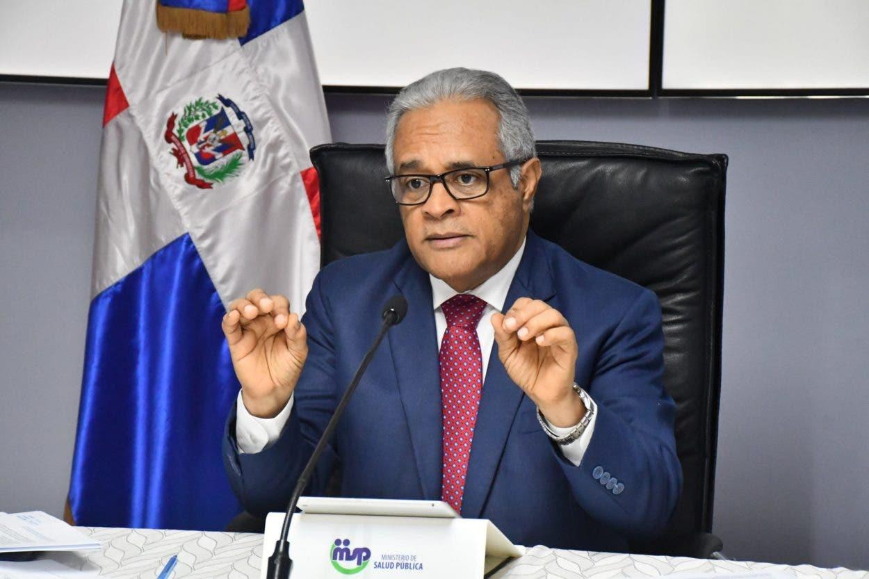Exministro de Salud Pública dice no hay necesidad de tercera dosis de vacuna contra covid-19