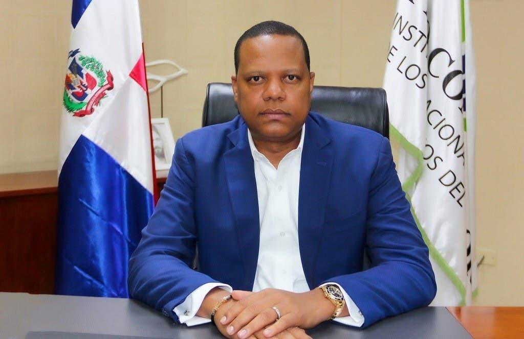 Eddy Alcántara, director de Pro Consumidor, elegido funcionario público del mes de mayo