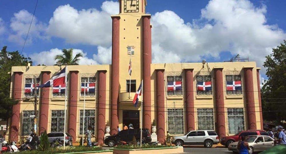 Por tercera ocasión Contrataciones Públicas anula procedimiento en ayuntamiento La Romana