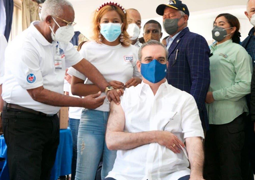 Abinader y sus vacunas