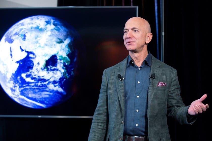 Más de 76.000 personas firman para que Bezos no regrese a la Tierra