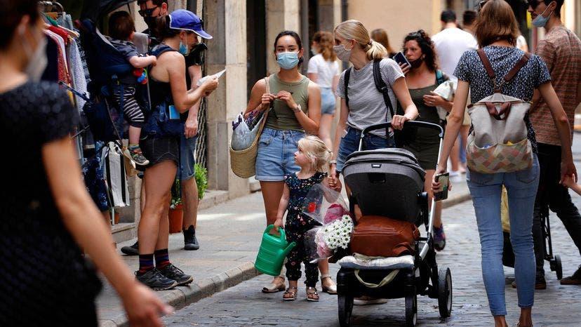 España pone fin al uso obligatorio de la mascarilla en dos días