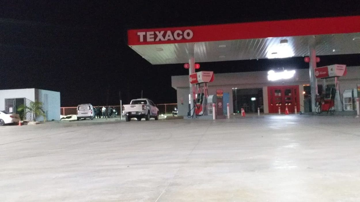Matan vigilante de gasolinera para robarle escopeta
