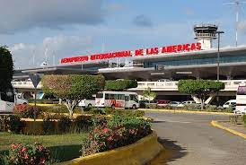 Policía dice detiene joven causó apagón en pista aterrizaje de Las Américas