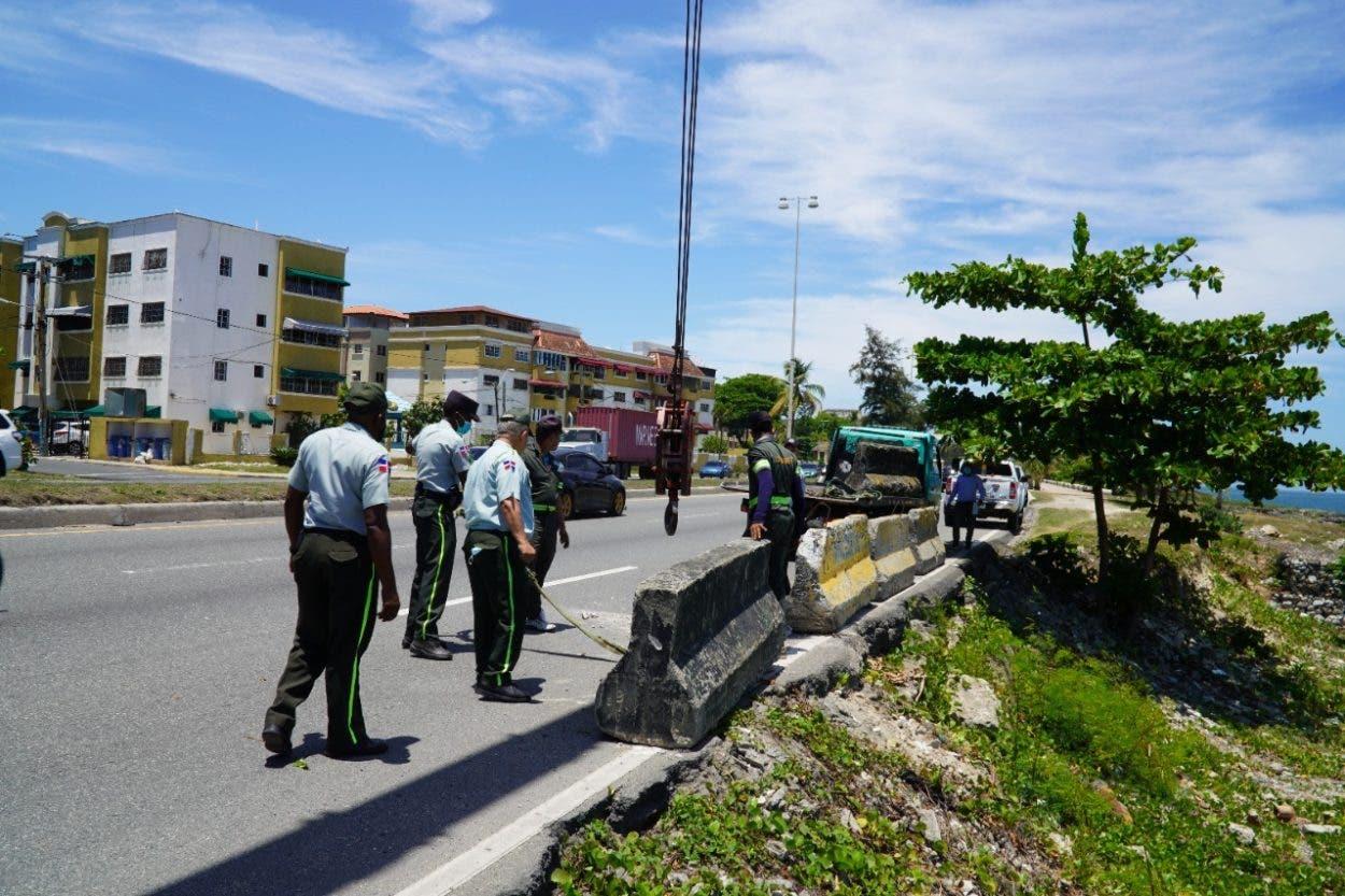 Digesett coloca muros en Malecón para evitar accidentes de tránsito