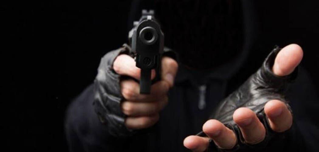 Cuatro hombres armados asaltan planta GLP, se llevan 170 mil pesos