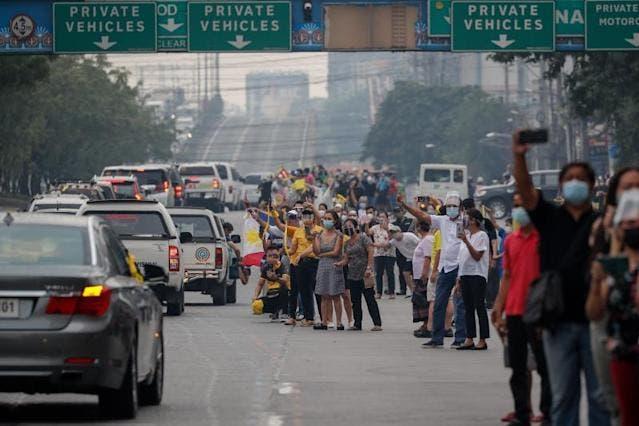 Filipinas da el último adiós a Benigno Aquino, el presidente tranquilo