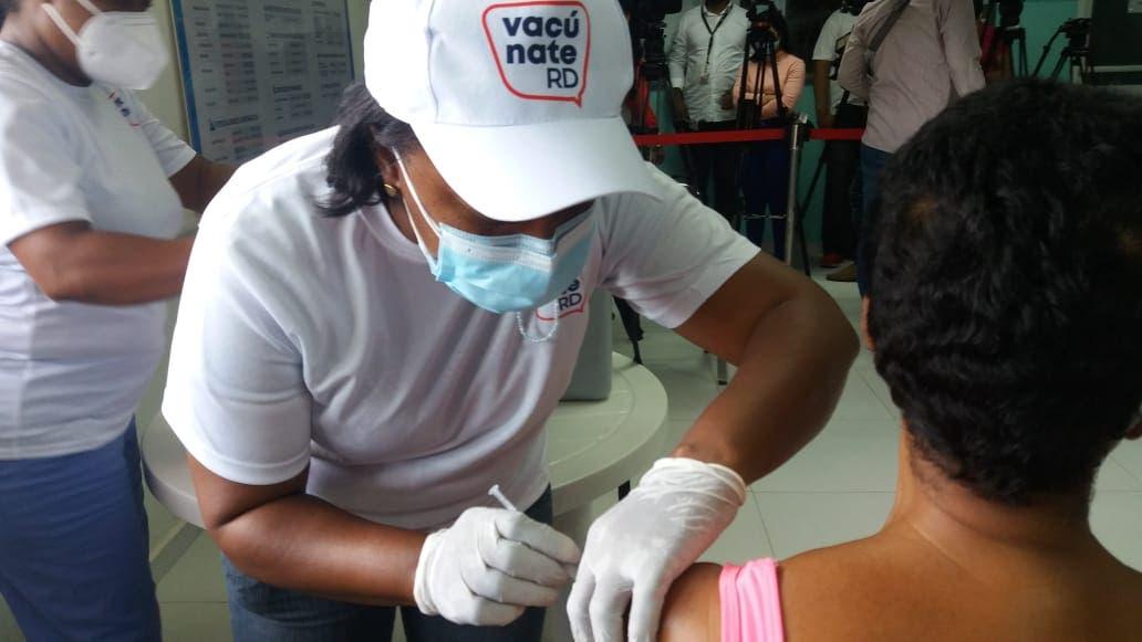 Finjus dice es ilegal obligar a vacunarse contra coronavirus