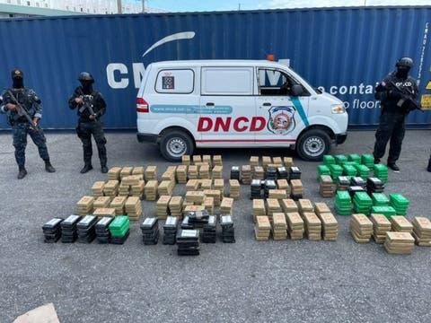 DNCD ocupa 862 paquetes de cocaína en Caucedo