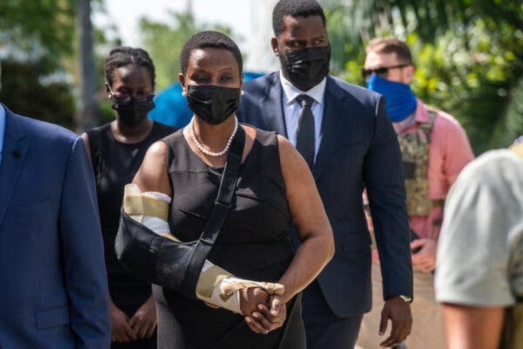 La primera dama de Haití llega al velatorio de Jovenel Moïse