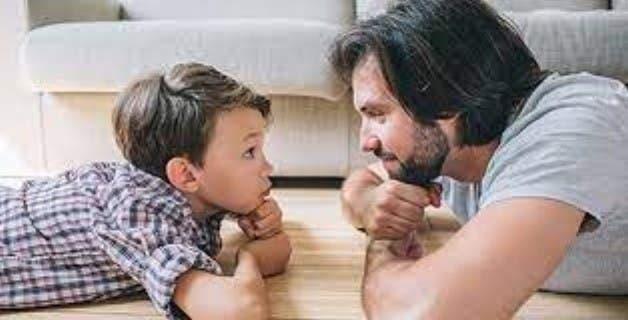 Los padres deben cultivar un relación sana con sus hijos desde pequeños