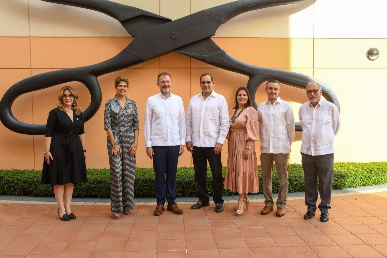 Embajada USA entrega fondo al Centro León