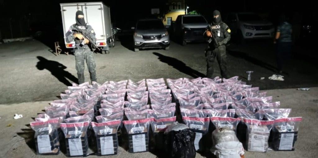 El cargamento de cocaína incautado estaba en una embarcación en la costa de San Pedro de Macorís.