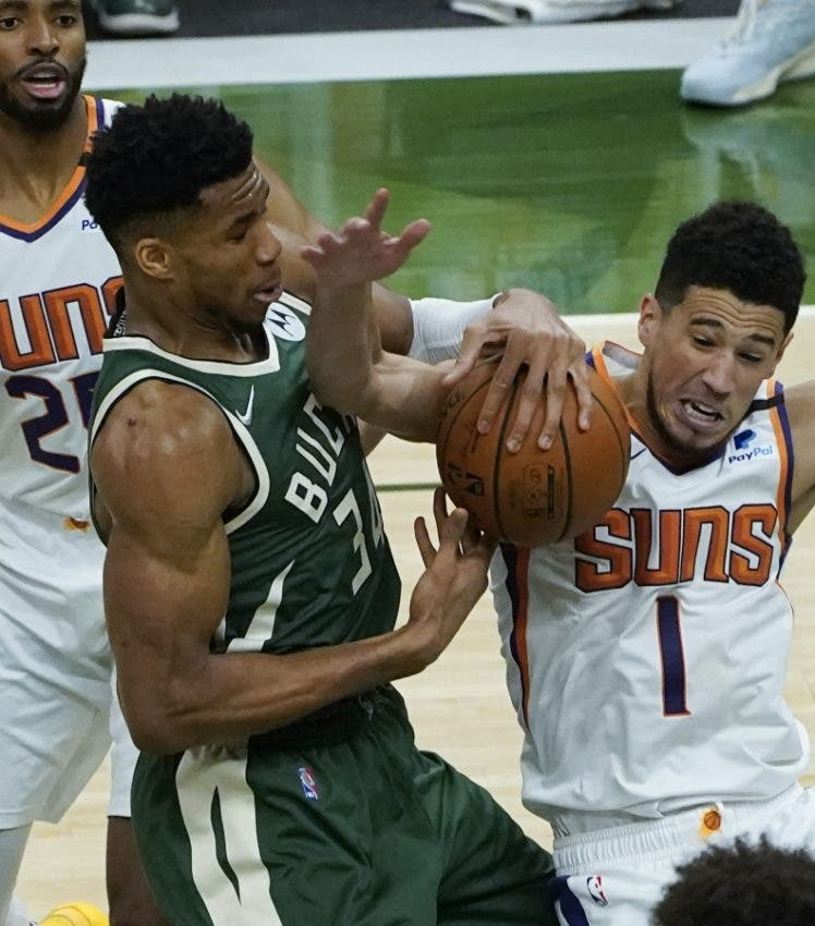Giannis y los Bucks envían mensaje a Suns