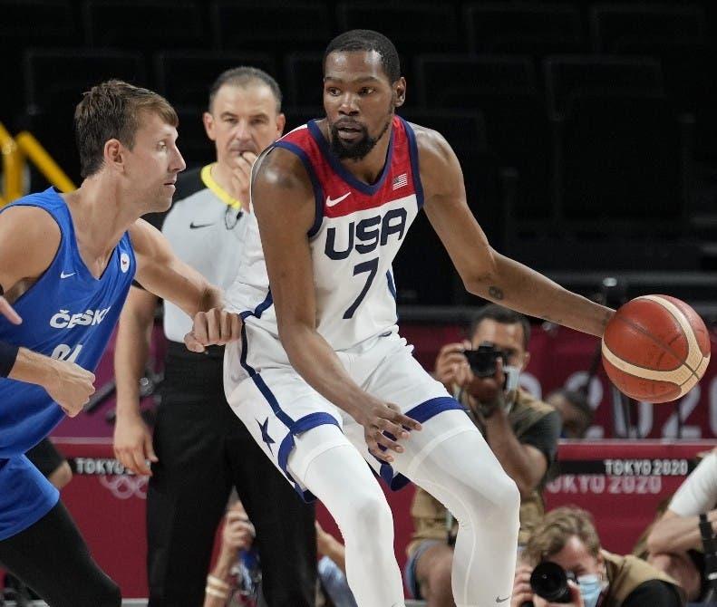 Kevin Durant lidera triunfo EEUU en basket