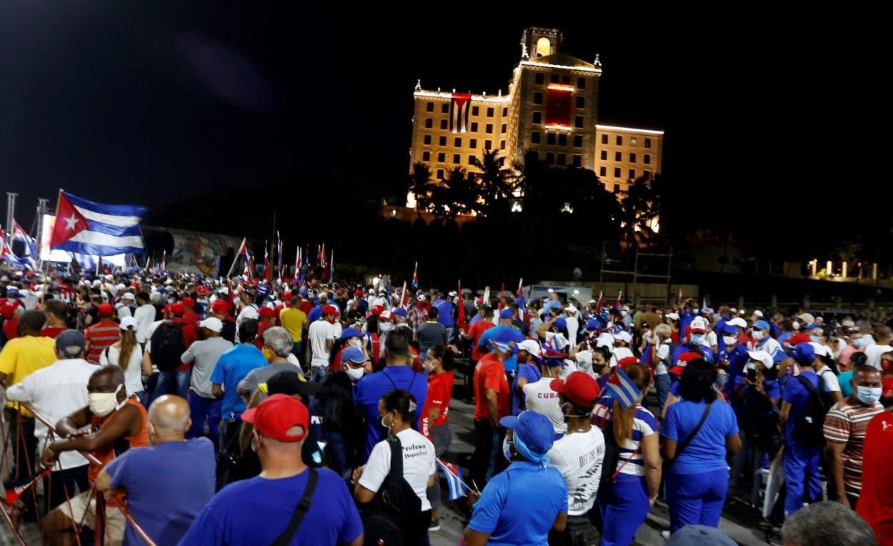 En Cuba: ¿Pasa tormenta?