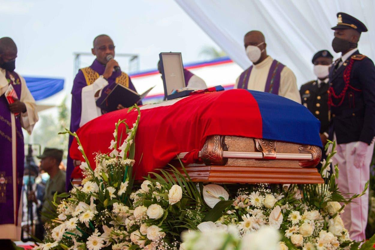 Haitianos siguen sin saber quién mató a Moïse un mes después del magnicidio