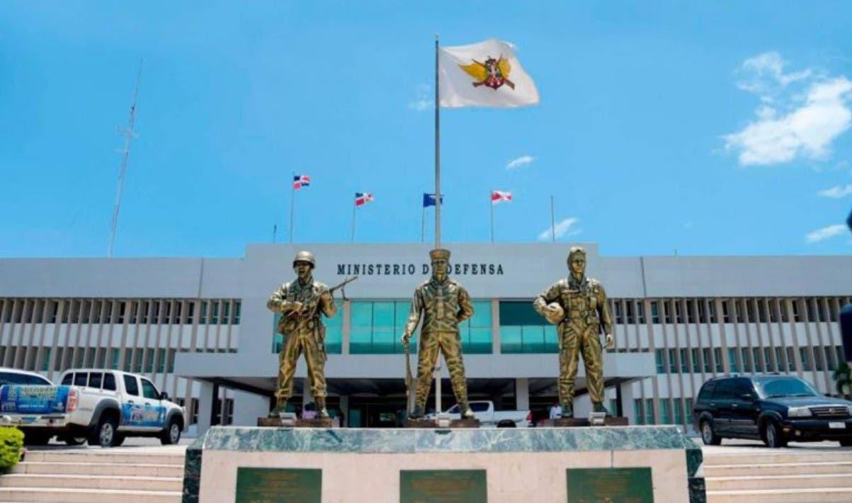 Cancelan 1,832 militares por enganche irregular
