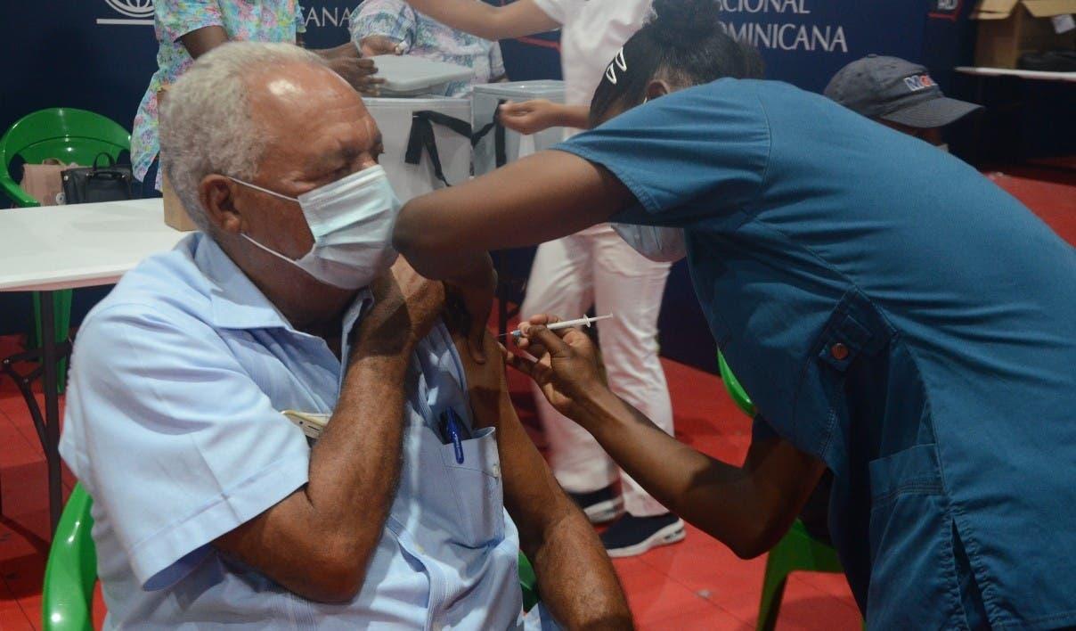 Salud Pública extiende horario de vacunación