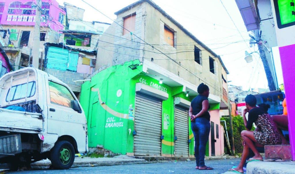 Esta es la entrada al barrio La Zurza, donde dos mujeres fueron muertas a tiros por un teniente pensionado de la Policía.