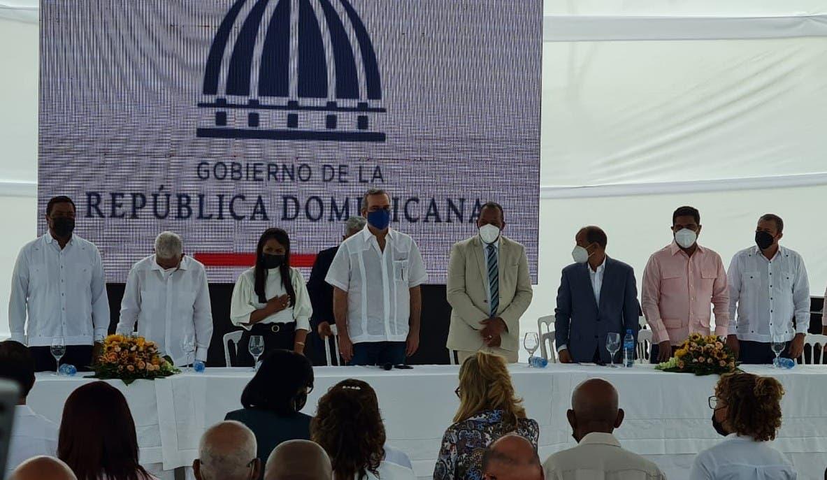 Abinader abre el mercado de Villa La Mata