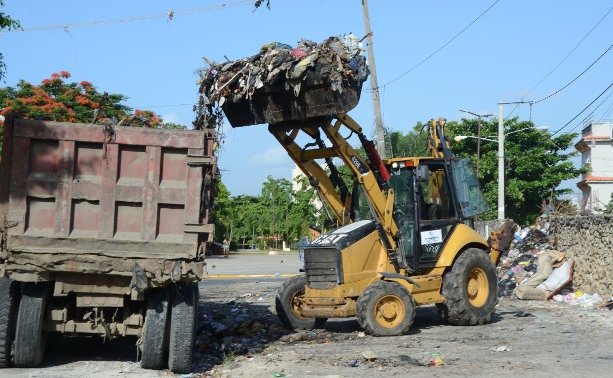 Intensifican recogida de basura en SD Este