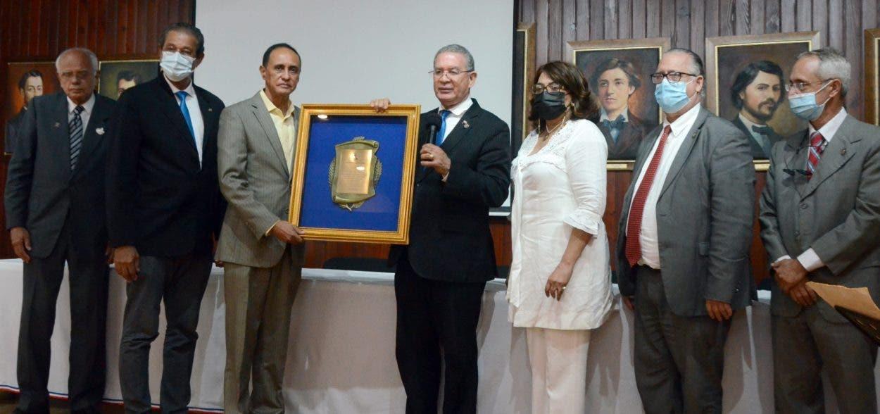 Instituto Duartiano reconoce a El Nacional