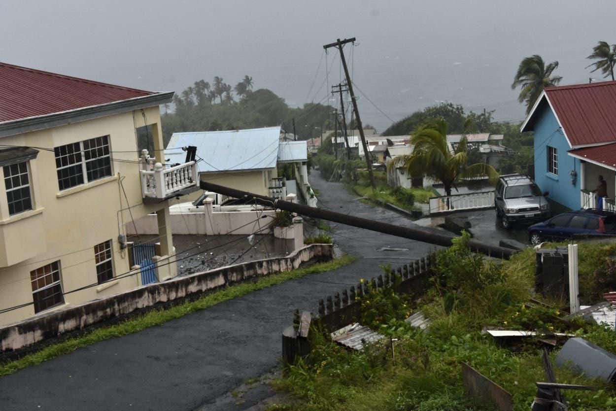 Elsa daña agricultura e infraestructuras en Barbados y San Cristóbal y Nieves