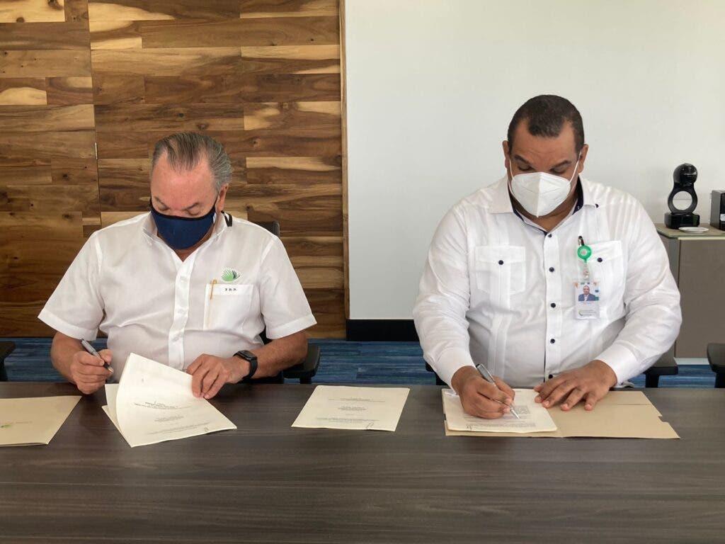 a Comisión Nacional de Energía (CNE) y la empresa AES Dominicana firmaron el convenio de concesión definitiva para operar la planta fotovoltaica Santanasol