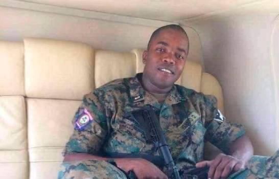 Investigan viajes jefe de seguridad haitiano