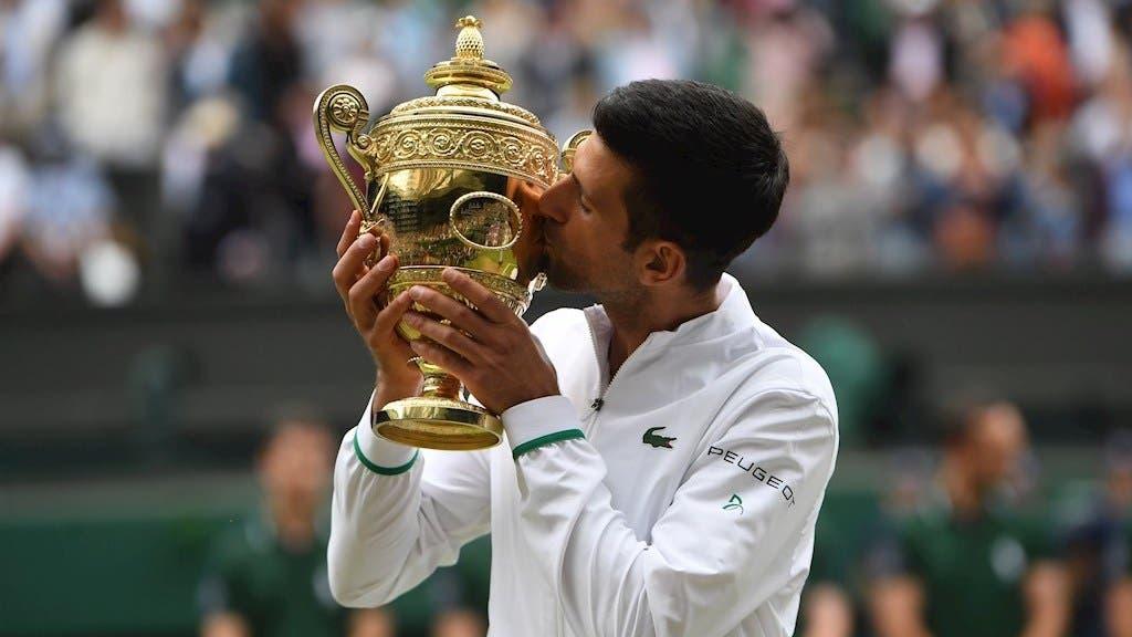 Djokovic reina en Wimbledon e iguala a Federer y Nadal