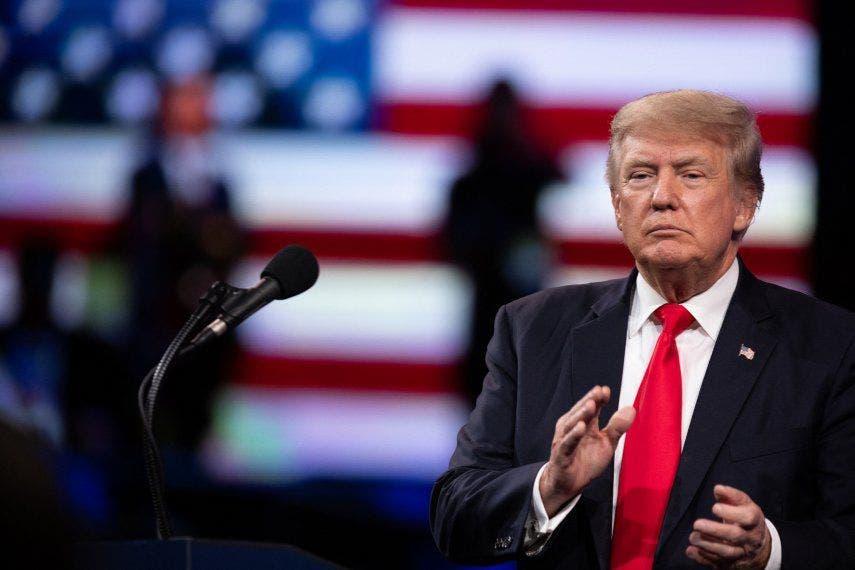 """Trump asegura que Biden """"debe hacer frente al régimen"""" cubano"""