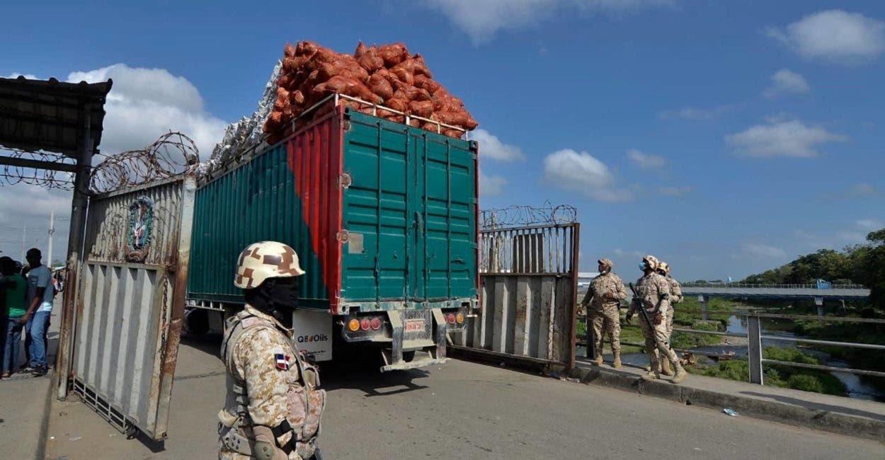 Gobierno analiza frontera y comercio
