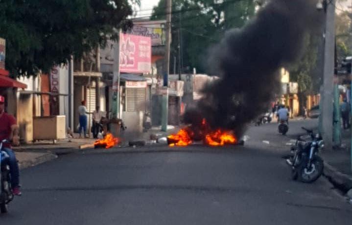 Huelga en Bonao afecta comercio