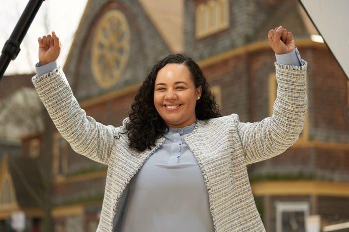 Declaran ganadora dominicana Carmen de la Rosa