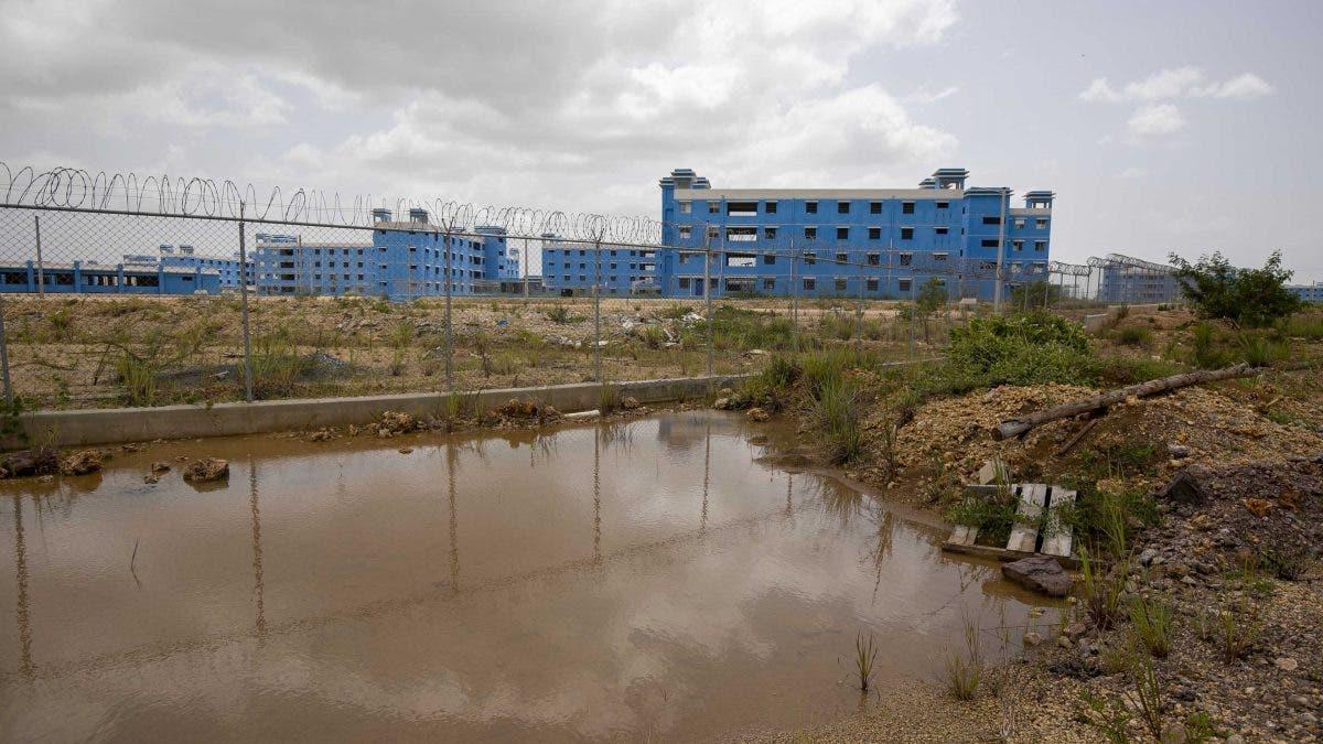 Evalúan edificación Nueva Victoria en área de lagunas