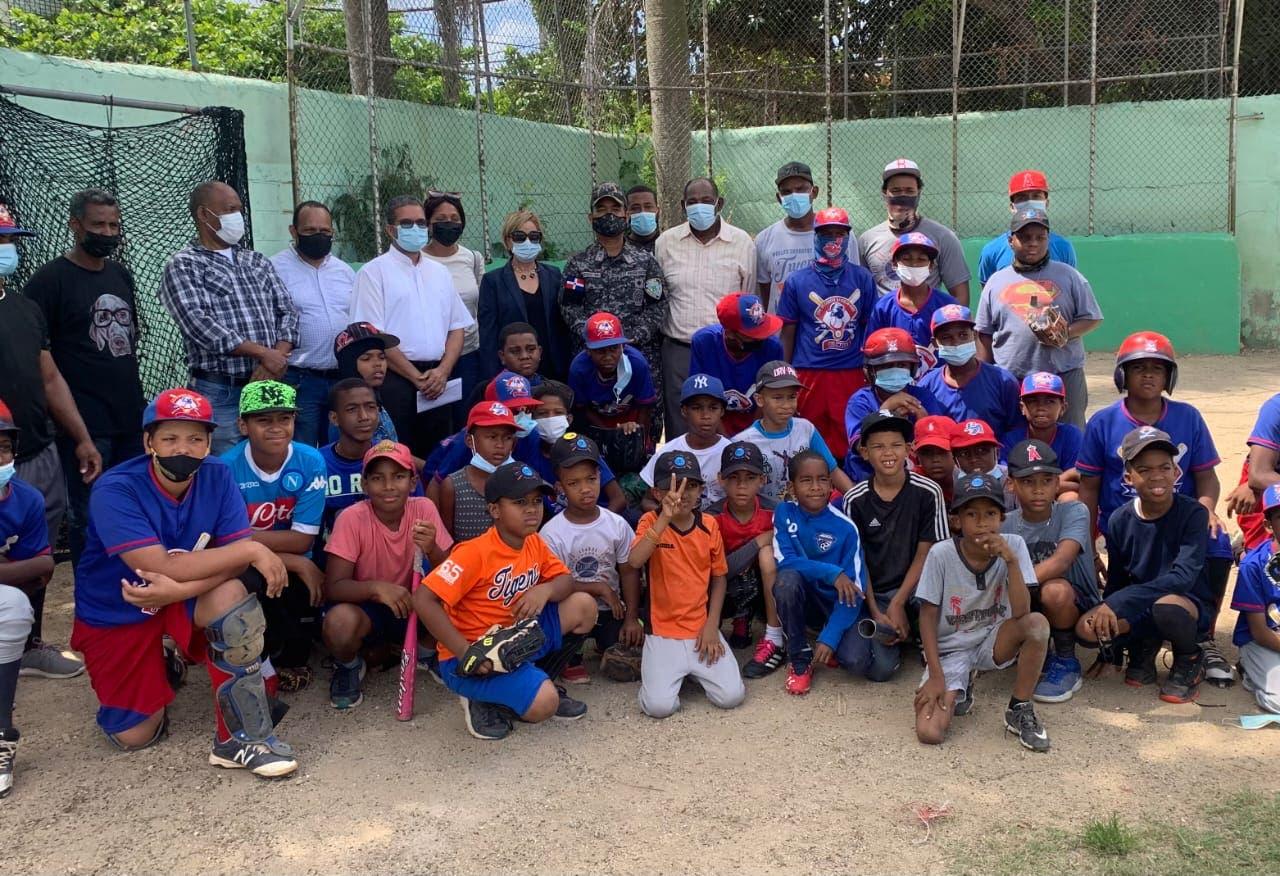Policía hará torneo de béisbol en Cristo Rey