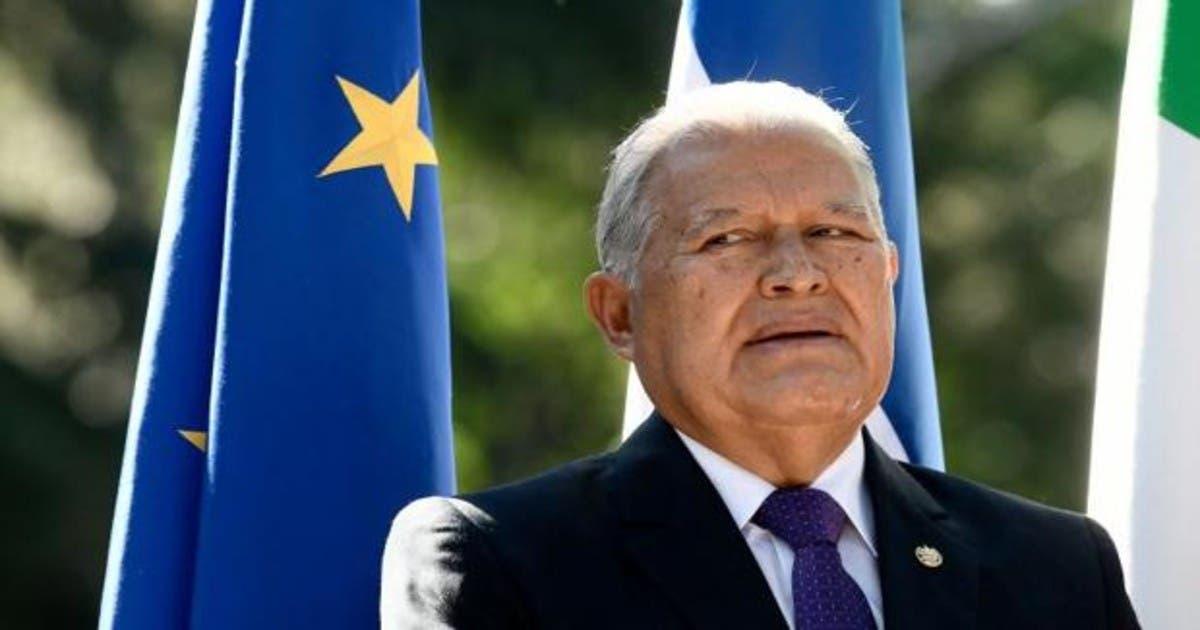 Acusan a expresidente salvadoreño Sánchez Cerén