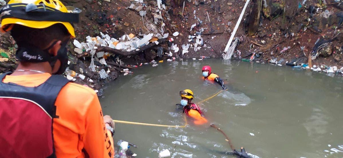 Rescatan cadáver de niño cañada en Los Peralejos