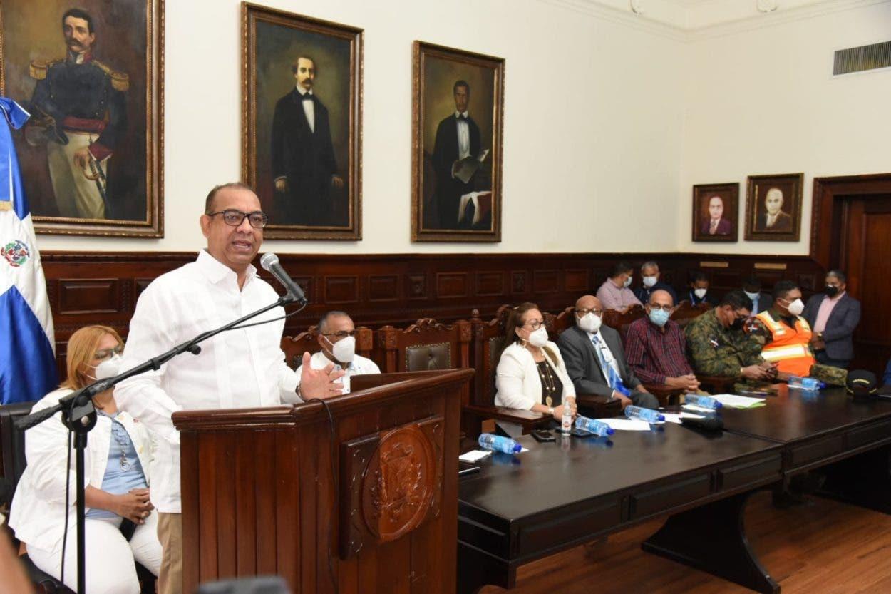 MOPC apoya operativo de vacunación en Santiago