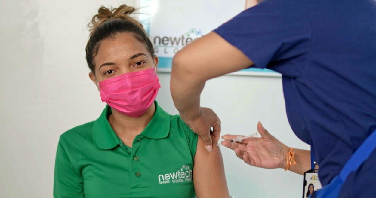 Newtech vacuna colaboradores contra el covid-19