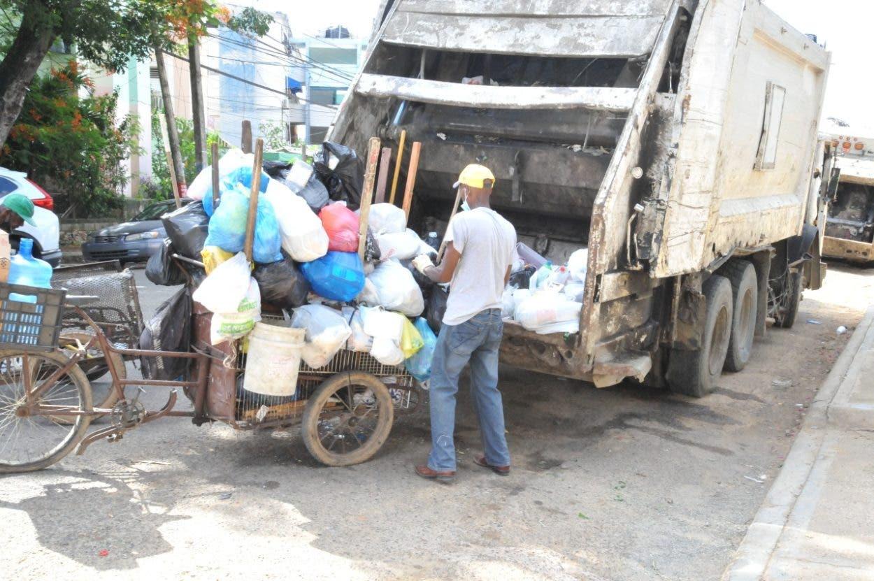 LMD recoge 800 toneladas de desperdicios en SDE