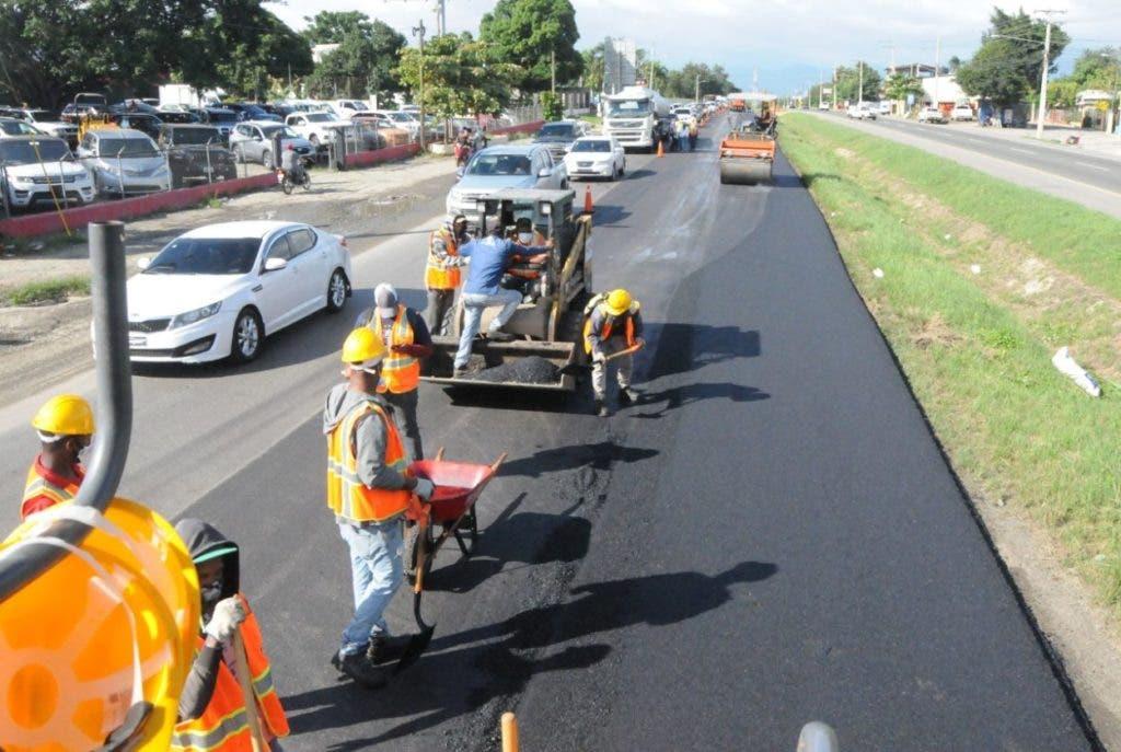 El Ministerio de Obras Públicas y Comunicaciones (MOPC) informa que, como parte de los trabajos que se están realizando en la ampliación y rehabilitación de la autopista Duarte
