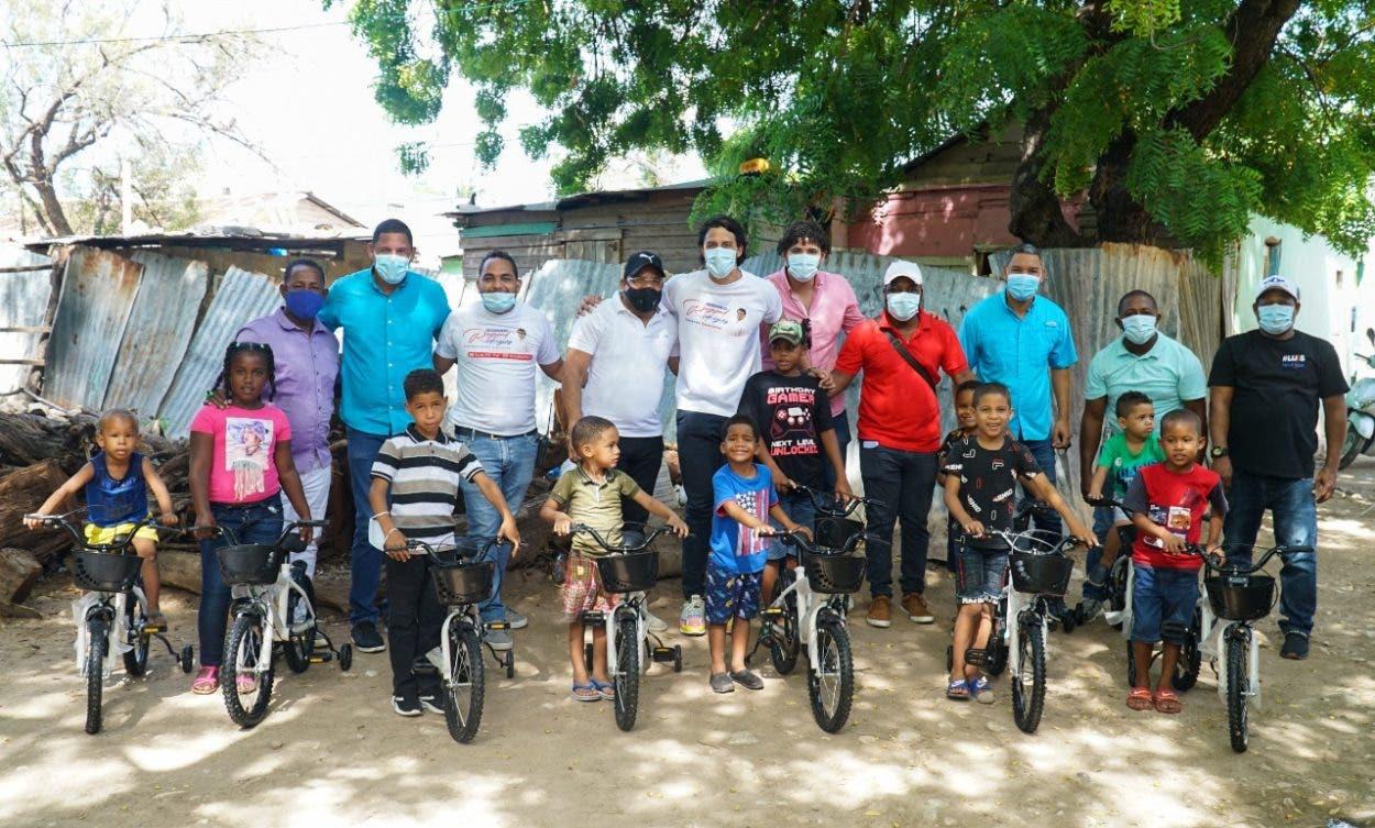 Fundación se solidariza en Pedernales y Barahona