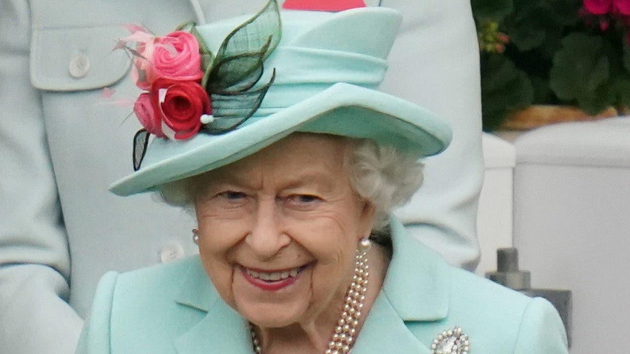 Isabel II viaja a Balmoral a descansar