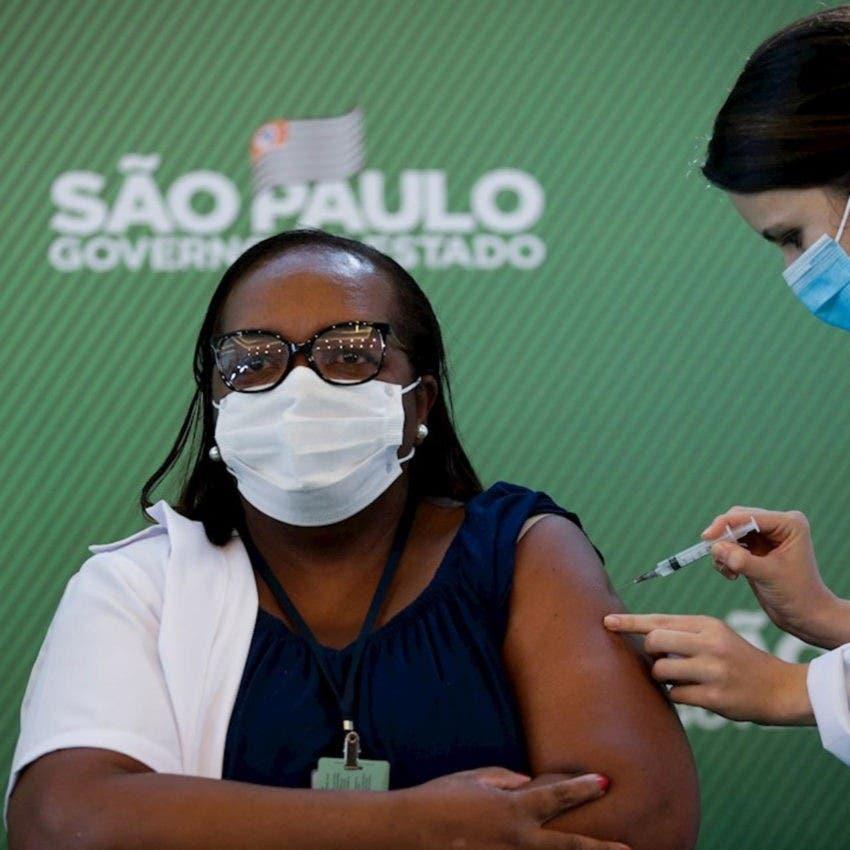 Vacunación contra Covid-19 ha reducido muertes en Brasil