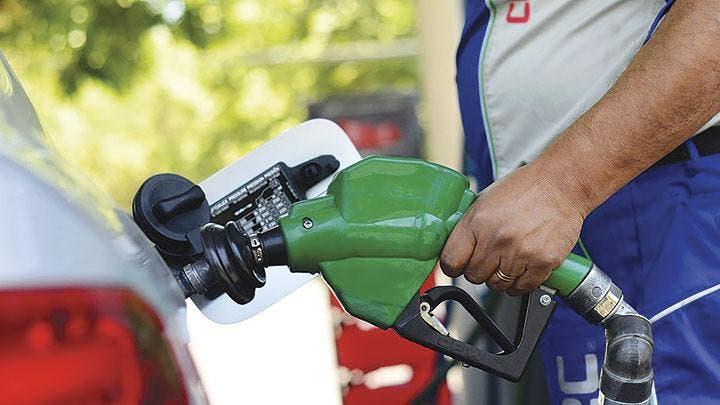 Suben RD$4 gasolina premium y gasoil óptimo