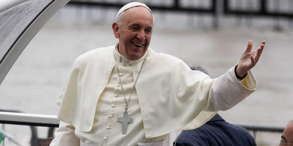 El papa limita celebración misas en latín