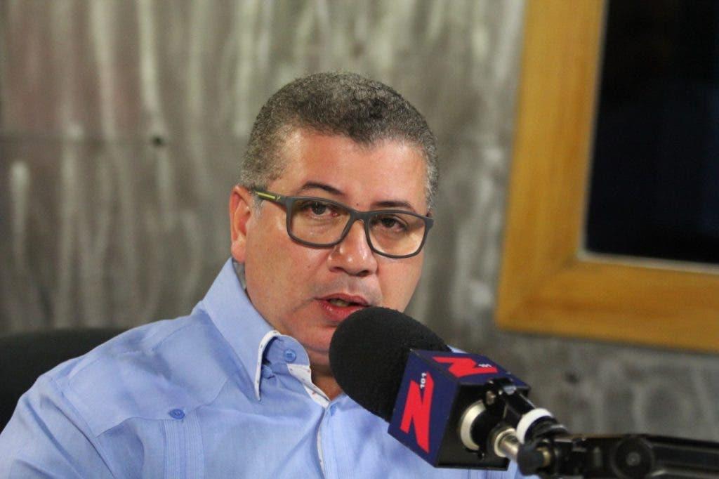 César Fernández llama a votar por la plancha número 2 en elecciones del CODIA