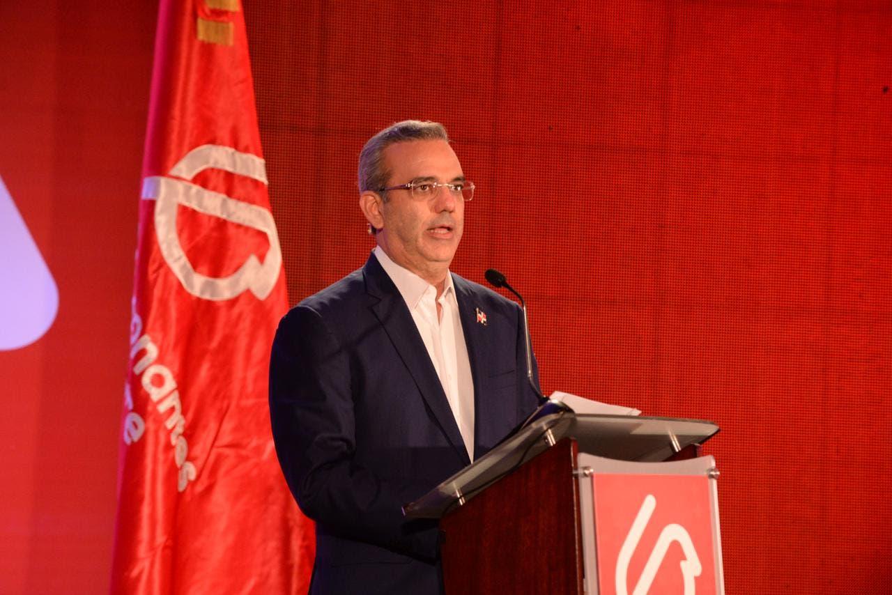 Presidente Abinader se compromete a eliminar el pago del tamizaje a la sangre